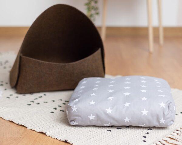 Домик для кошки с подушечкой