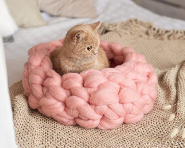 Лежанка розовая из мериноса