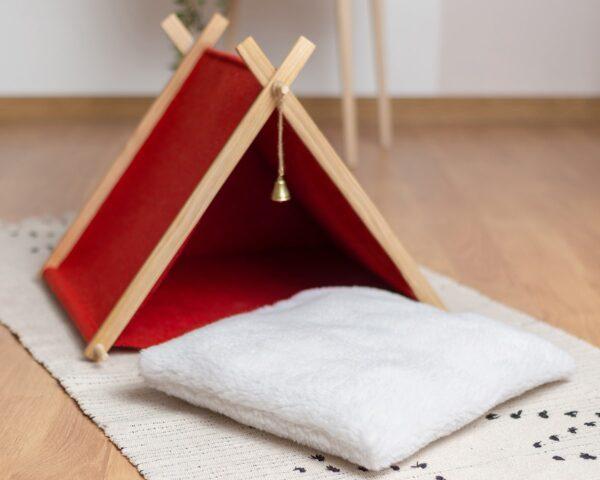 Домик для кошки красный с подушкой