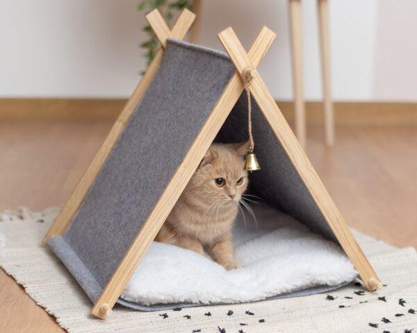 Домик для кошки серый
