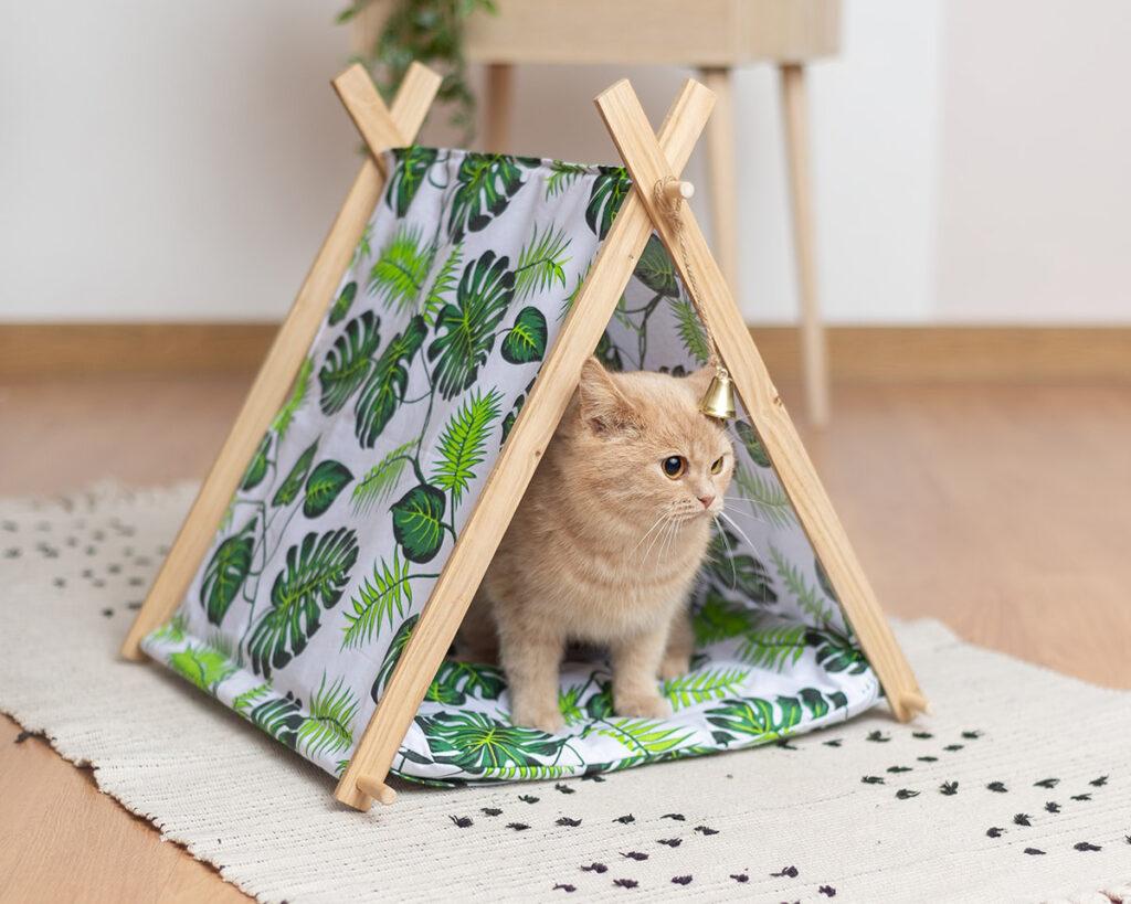 Домик для кошки с лежаком